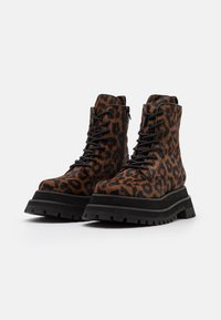 Jeffrey Campbell - MECHANIC - Lace-up ankle boots - brown - 2