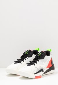 Jordan - ZOOM '92 - Sneakers alte - white/flash crimson/black/sail/electric green/hyper violet - 4