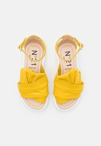 N°21 - Sandals - yellow - 3