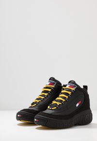 Tommy Jeans - HERITAGE LACE UP ICON - Höga sneakers - black - 2