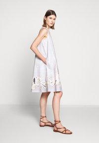 WEEKEND MaxMara - CAIMANO - Korte jurk - sand - 3