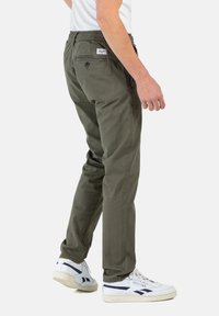 Reell - REFLEX EASY ST - Trousers - olive - 2