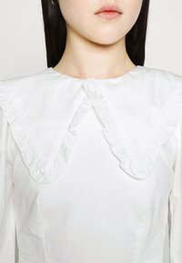 Fashion Union - TWORL DRESS - Robe d'été - white - 7