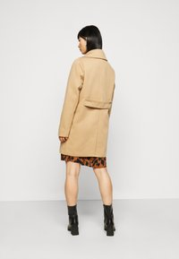Fashion Union Petite - AIMEE - Short coat - camel - 2