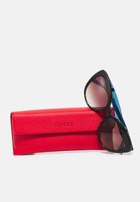 Guess - Sunglasses - dark havana / gradient brown - 3