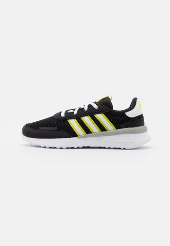 RETROSET RUNNING INSPIRED SHOES - Trainers - core black/footwear white/semi solar yellow