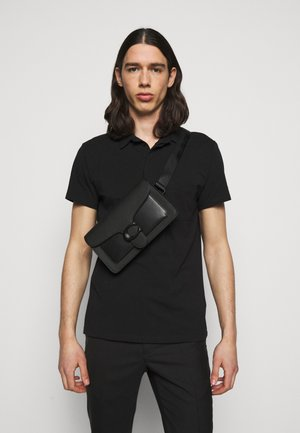 TABBY BELT BAG UNISEX - Ledvinka - black