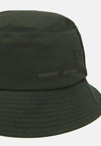 Samsøe Samsøe - ANTON BUCKET HAT UNISEX - Kapelusz - capulet olive - 2