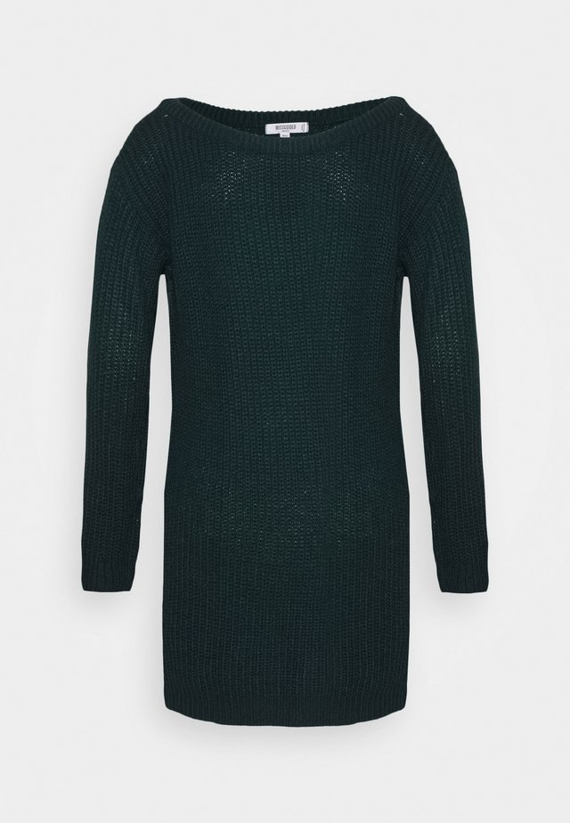 AYVAN OFF SHOULDER JUMPER DRESS - Vestido de punto - forest green