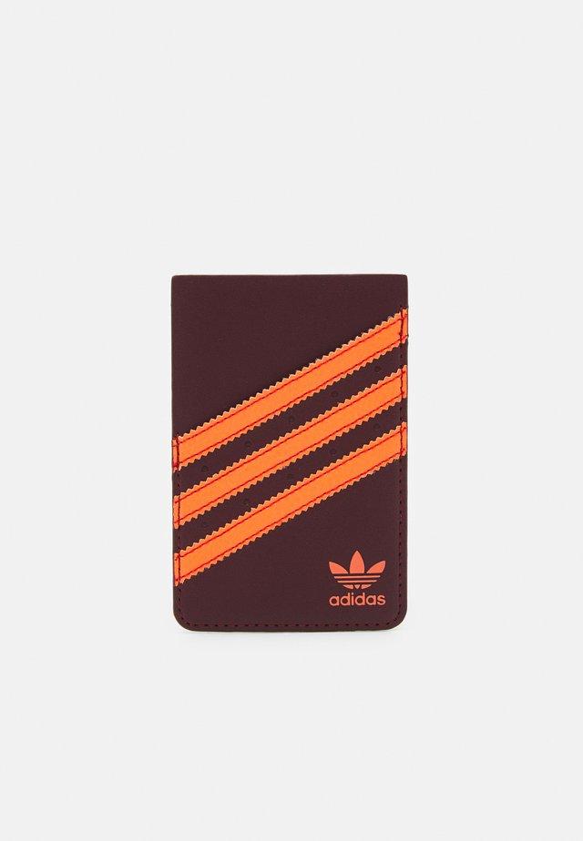 Obal na telefon - maroon/solar orange