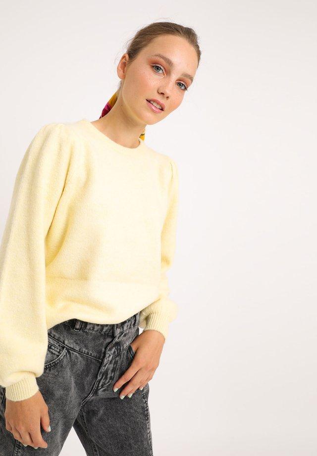MIT PUFFÄRMELN - Pullover - blassgelb