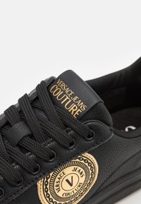 Versace Jeans Couture - COURT - Baskets basses - nero - 5