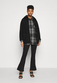 Noisy May - NMFLANNY LONG SHACKET - Camisa - black/grey