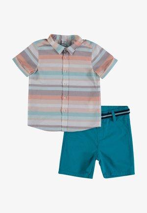 SET - Shorts - beige striped