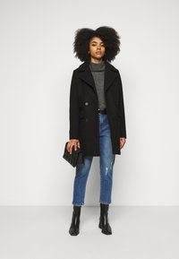 Fashion Union Petite - AIMEE - Short coat - black - 1