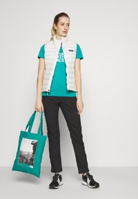 The North Face - WOMENS EASY TEE - Triko s potiskem - jaiden green - 1