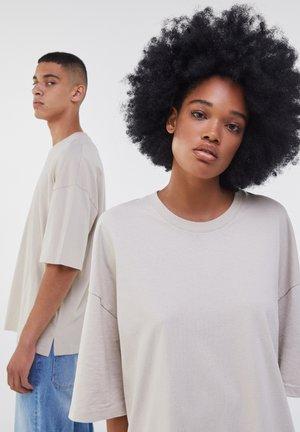 OVERSIZED - Jednoduché triko - beige