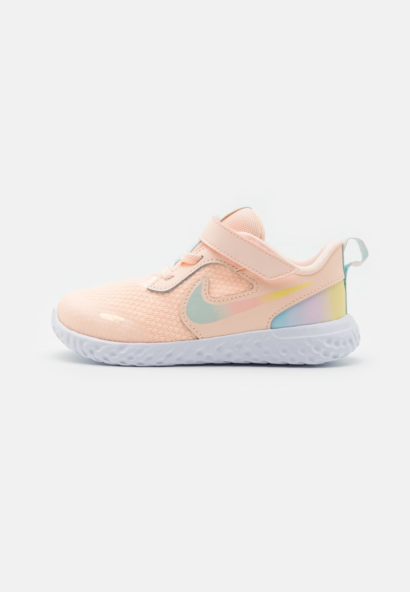 Nike Performance - REVOLUTION 5 SE UNISEX - Neutral running shoes - crimson tint/multicolor/glacier blue/white
