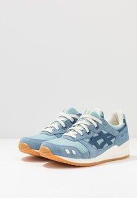 ASICS SportStyle - GEL-LYTE III - Sneakers - smoke blue/grand shark - 2