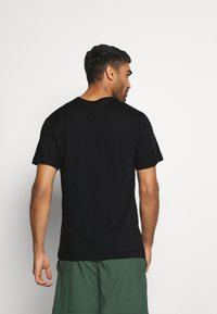 Nike Performance - TEE TEAM - T-shirt print - black - 2