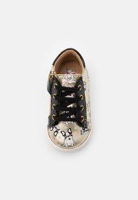 Shoo Pom - BOUBA DUCK - Chaussures premiers pas - platine/black - 3