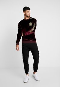 Glorious Gangsta - VONGA CREW - Sweatshirt - burgundy - 1