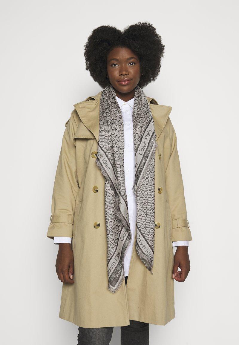 Calvin Klein - MONO SCARF - Foulard - beige