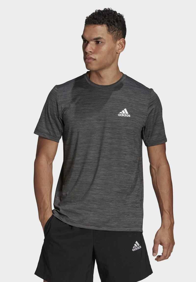adidas Performance - M HT EL TEE - T-shirt z nadrukiem - black melange