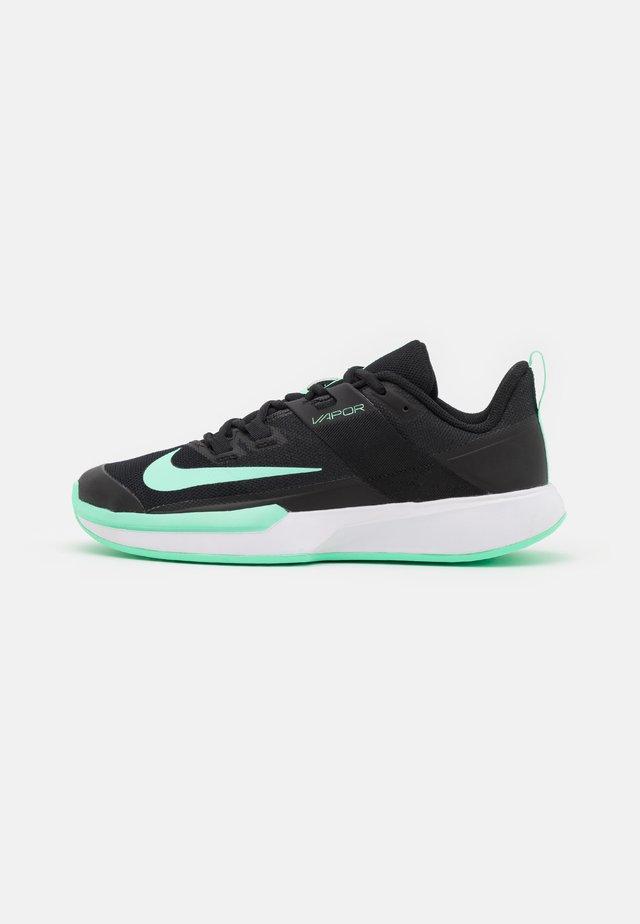 VAPOR LITE - Scarpe da tennis per tutte le superfici - black/green glow/white