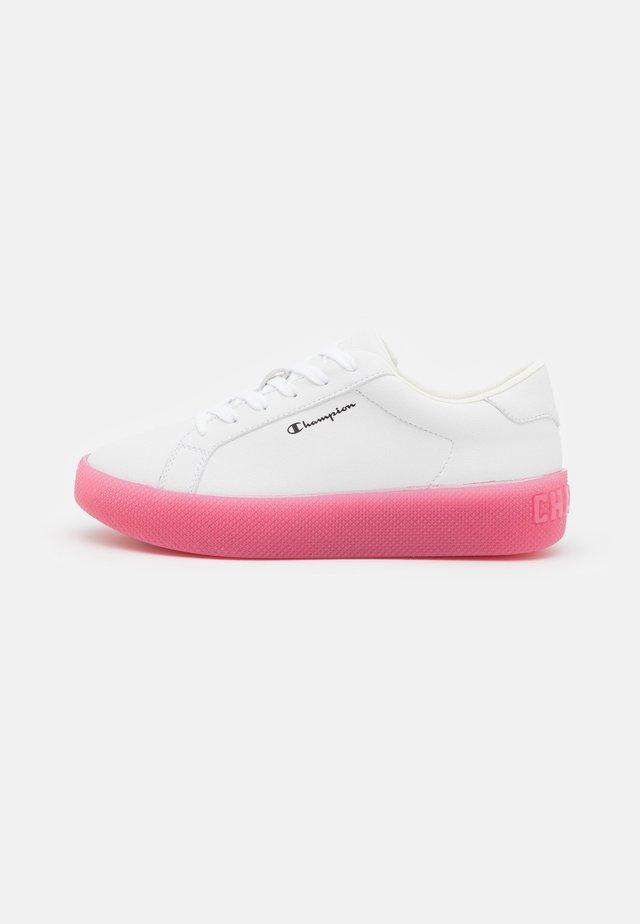 LOW CUT SHOE ERA TRS - Obuwie treningowe - white/pink