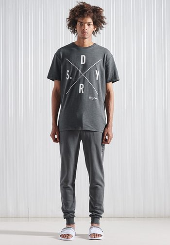 T-shirt print - iron gate