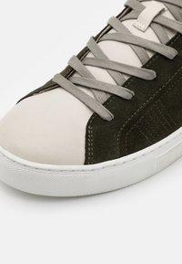 Crime London - Sneakers basse - khaki - 5