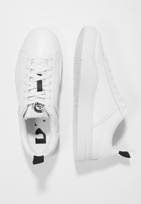 Diesel - S-CLEVER LOW - Trainers - white - 1