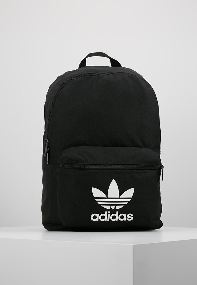 CLASS - Batoh - black