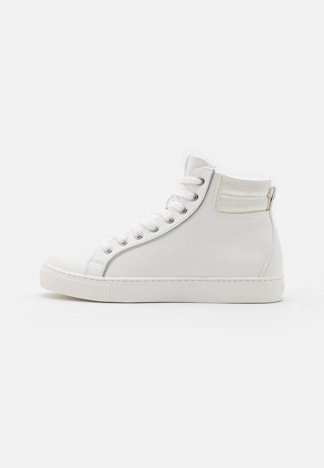 EMBELIA - Zapatillas - white
