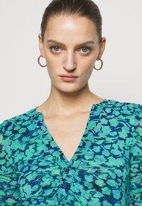 Diane von Furstenberg - BRIELLA - Shift dress - blossom breeze multi ionian - 3