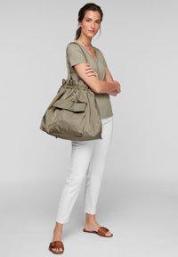 s.Oliver - SAC - Tote bag - khaki - 0