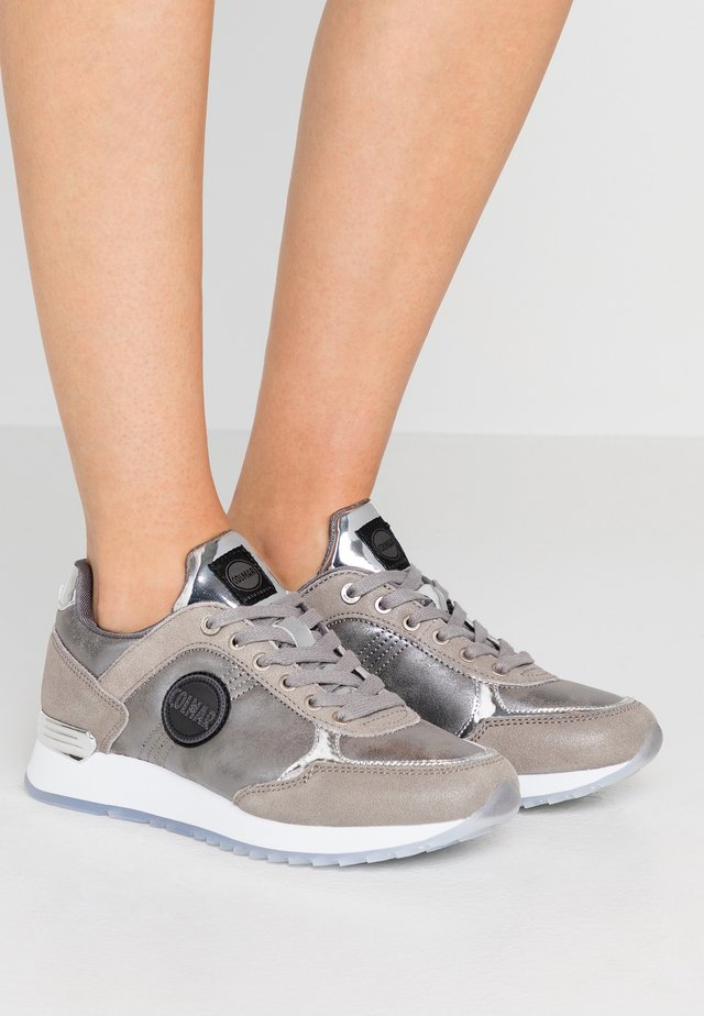 TRAVIS PUNK - Trainers - silver
