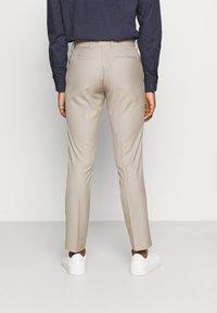 Isaac Dewhirst - THE FASHION SUIT PEAK - Suit - beige - 5