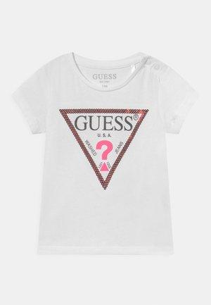 T-shirt print - true white