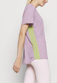 adidas Performance - 3 STRIPE TEE - Camiseta de deporte - berry - 4