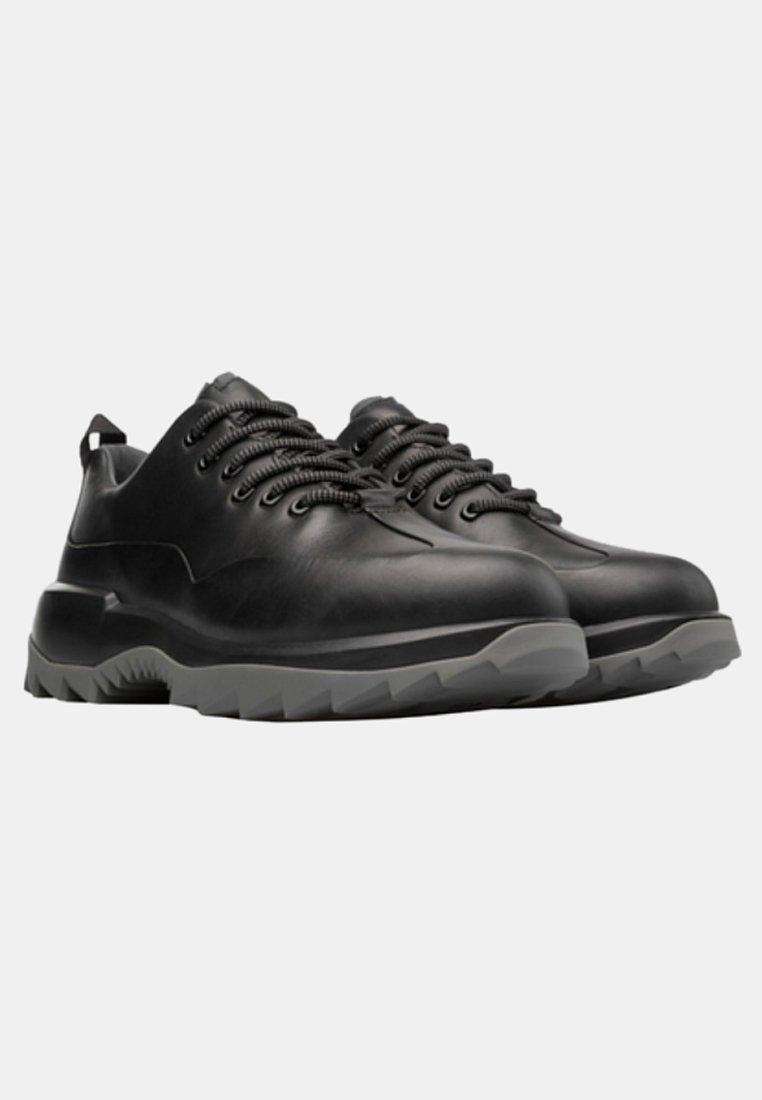 Buona vendita Scarpe da uomo Camper HELIX Sneakers basse black