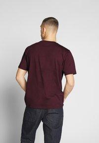 Carhartt WIP - Basic T-shirt - shiraz - 2