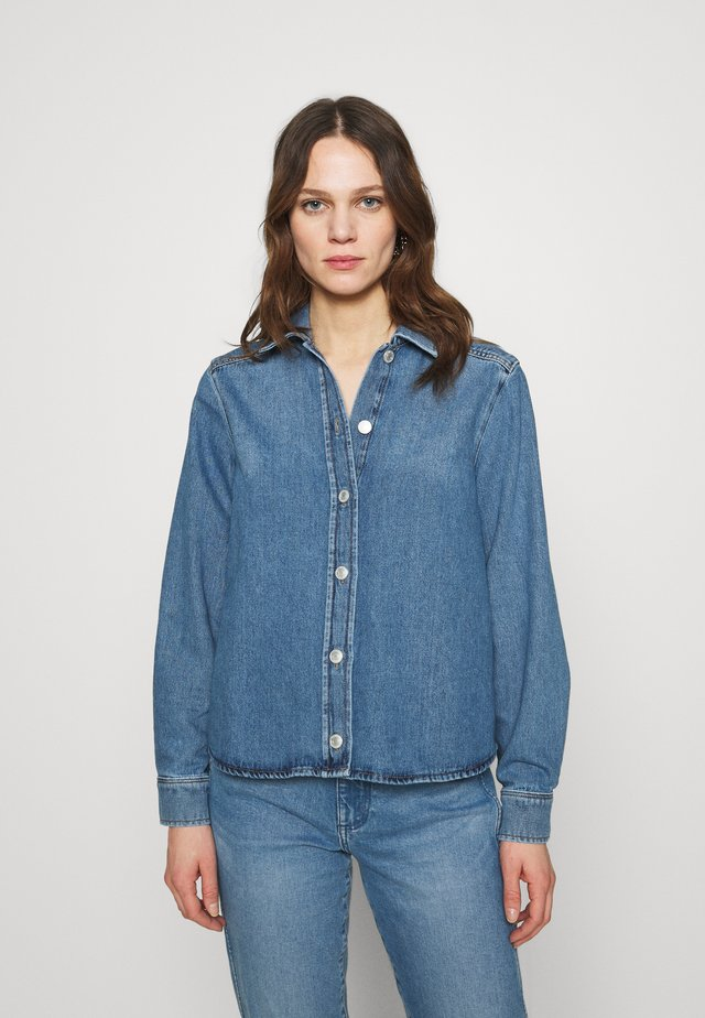 SLFMILLE LAUREL - Button-down blouse - medium blue denim