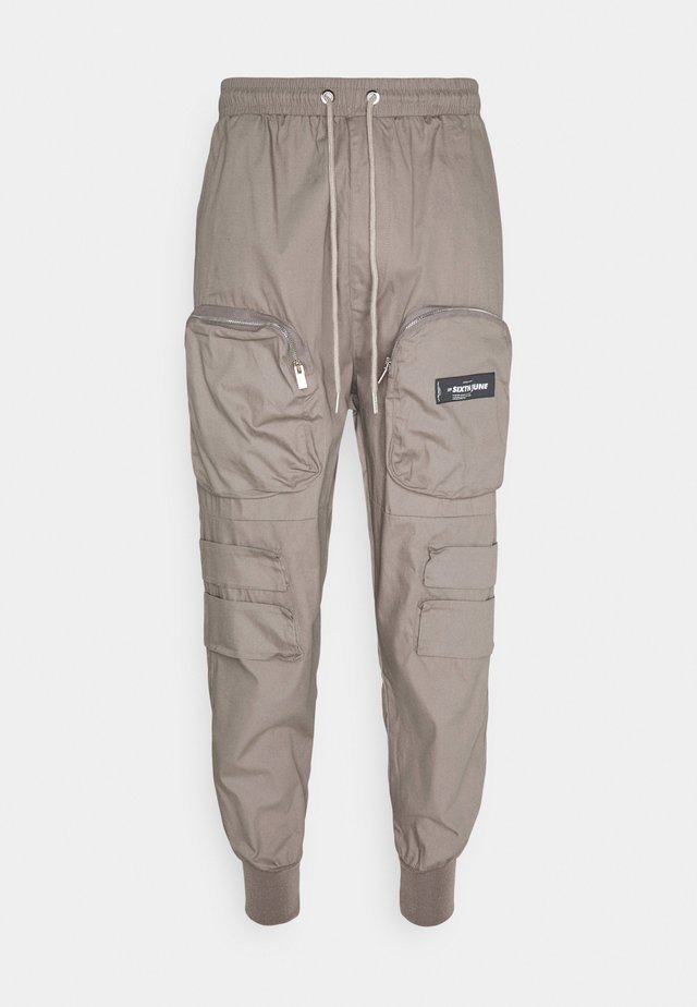FRONT ZIP POCKET PANT - Pantalon cargo - brow