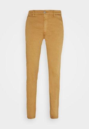 ZEUMAR HYPERFLEX  - Jeans slim fit - havana