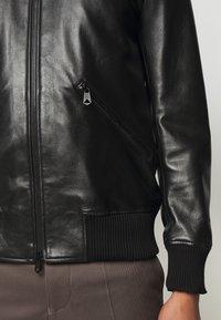 Paul Smith - GENTS BOMBER JACKET - Kožená bunda - black - 6