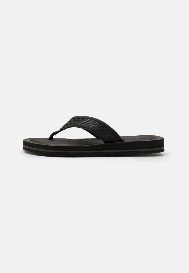 TOCKER - Sandály s odděleným palcem - black/gray