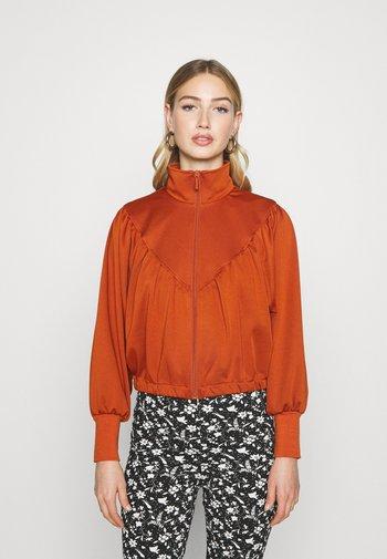 ONLFRYA HIGHNECK ZIP BOX - Zip-up sweatshirt - umber