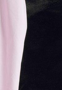 Missguided Petite - CROP WITH POPLIN SLEEVES - Long sleeved top - black - 2
